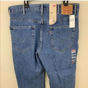 Levis 550 Men's Relaxed Fit 38x30 Prewashed Jeans